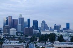 Horizonte de Los Ángeles en la oscuridad foto de archivo