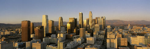 Horizonte de Los Ángeles en la puesta del sol Foto de archivo libre de regalías