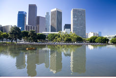 Horizonte de Los Ángeles y reflexión del agua Fotos de archivo libres de regalías
