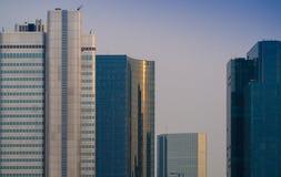 Horizonte de los edificios del negocio en Francfort, Alemania imagenes de archivo