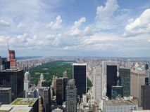 Horizonte de Manhattan con Central Park fotografía de archivo libre de regalías