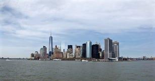 Horizonte de Manhattan de un waterview Imagen de archivo