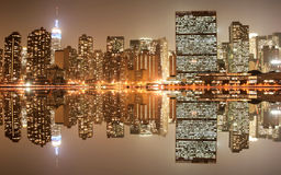 Horizonte de Manhattan en la noche Fotografía de archivo libre de regalías