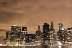 Horizonte de Manhattan en la noche, New York City fotografía de archivo libre de regalías