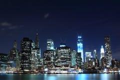 Horizonte de Manhattan en la noche, New York City Foto de archivo libre de regalías