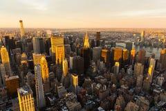 Horizonte de Manhattan en la puesta del sol Foto de archivo libre de regalías