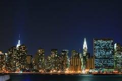 Horizonte de Manhattan en las noches Fotografía de archivo
