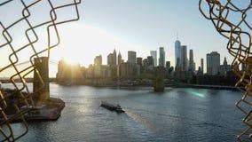 Horizonte de Manhattan visto desde arriba del puente de Manhattan en New York City fotografía de archivo libre de regalías