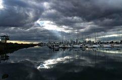 Horizonte de Melbourne según lo visto del embarcadero de StKilda Foto de archivo libre de regalías