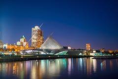 Horizonte de Milwaukee fotos de archivo
