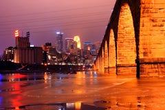 Horizonte de Minneapolis en invierno Foto de archivo