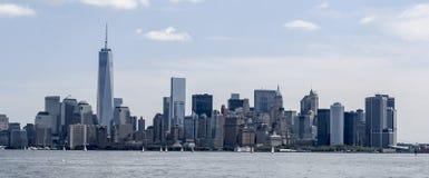 Horizonte de New York City con los veleros de Hudson River Foto de archivo