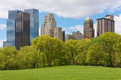 Horizonte de New York City de Central Park Imágenes de archivo libres de regalías