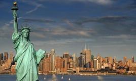 Horizonte de New York City del concepto del turismo imagen de archivo