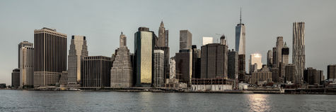 Horizonte de Nueva York con mirada del lavado de color Foto de archivo libre de regalías