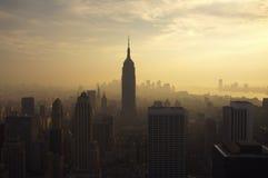 Horizonte de Nueva York en la oscuridad Imagen de archivo