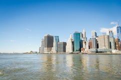Horizonte de Nueva York en un día soleado Fotografía de archivo libre de regalías
