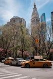 Horizonte de Nueva York de Manhattan y de taxis imagen de archivo libre de regalías