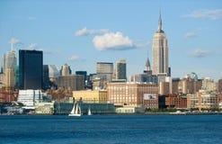 Horizonte de NYC con el Empire State fotografía de archivo