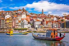 Horizonte de Oporto, Portugal Imagenes de archivo