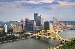 Horizonte de Pittsburgh durante d3ia Fotografía de archivo libre de regalías
