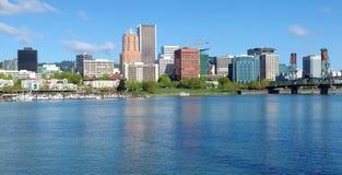 Horizonte de Portland Oregon, panorama. Fotografía de archivo