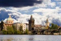 Horizonte de Praga fotos de archivo