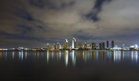 Horizonte de San Diego en la oscuridad Fotografía de archivo libre de regalías