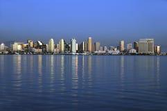 Horizonte de San Diego en la puesta del sol Fotografía de archivo libre de regalías