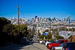 Horizonte de San Francisco de la colina Fotografía de archivo libre de regalías