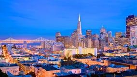 Horizonte de San Francisco en la oscuridad Fotografía de archivo