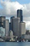 Horizonte de Seattle del transbordador foto de archivo libre de regalías