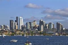 Horizonte de Seattle en la unión del lago foto de archivo libre de regalías