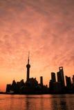 Horizonte de Shangai en el amanecer Fotografía de archivo libre de regalías
