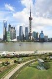 Horizonte de Shangai en el nuevo paisaje de la ciudad Imagen de archivo