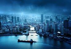 Horizonte de Shangai en la puesta del sol Fotografía de archivo libre de regalías