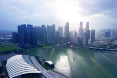 Horizonte de Singapur en la costa Imágenes de archivo libres de regalías