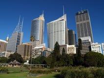 Horizonte de Sydney visto de jardín Fotografía de archivo