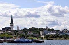 Horizonte de Tallinn, Estonia Foto de archivo