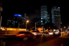 Horizonte de Tel Aviv en la noche imagen de archivo