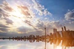 Horizonte de Toronto del lago ontario fotos de archivo libres de regalías