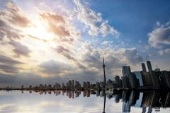 Horizonte de Toronto del lago ontario imagenes de archivo