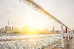Horizonte de Toronto y sol sugestivo Imagen de archivo