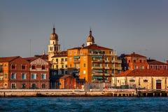 Horizonte de Venecia e iglesia del santo Raphael Angel, Venecia, Italia imágenes de archivo libres de regalías