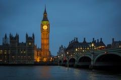 Horizonte de Westminster en la oscuridad Fotos de archivo