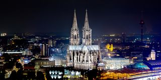Horizonte del cologne con la catedral de Colonia imágenes de archivo libres de regalías