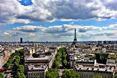 Horizonte del paisaje urbano de París de la primavera Fotografía de archivo libre de regalías