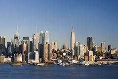 Horizonte diurno de NY imagen de archivo libre de regalías