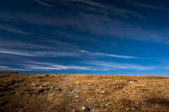 Horizonte do azul de Brown Fotografia de Stock Royalty Free