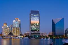 Horizonte en Dubai Creek Imágenes de archivo libres de regalías
